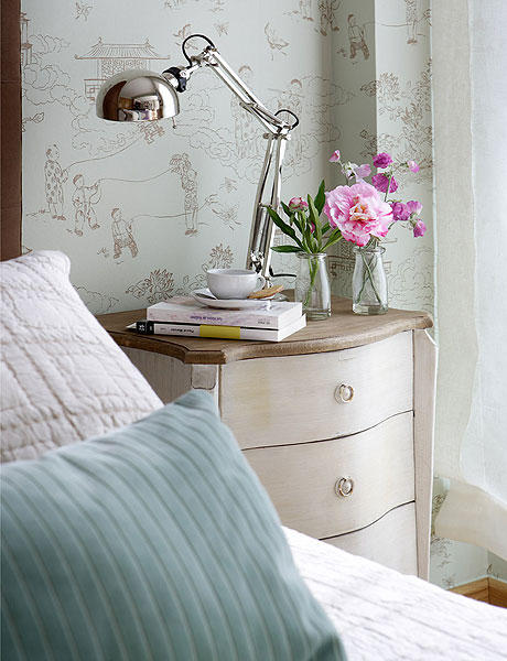 use wallpaper to separate space in a studio apartment