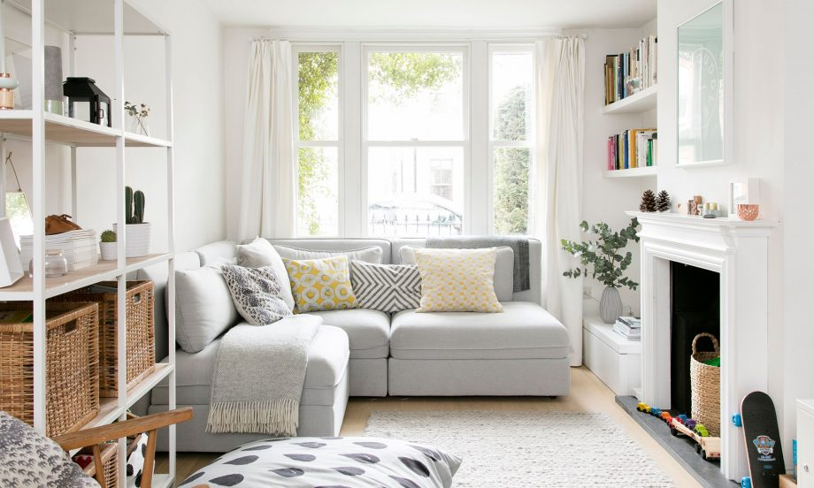 large sofa in small living room decorating small spaces