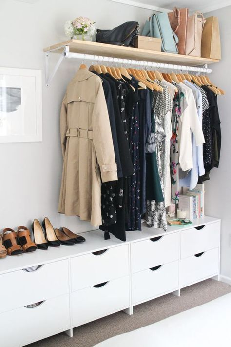 Stylish DIY closet wall for small bedrooms