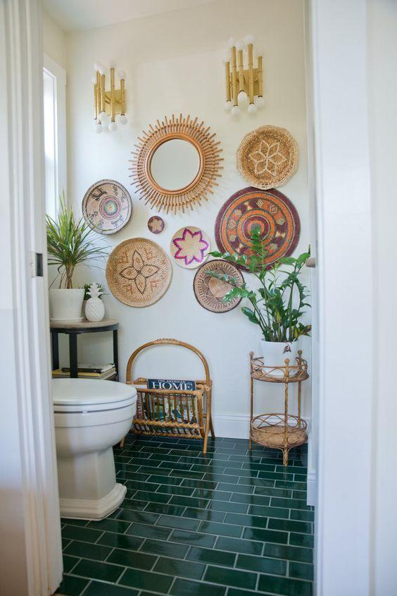 small bohemian bathroom with wall baskets