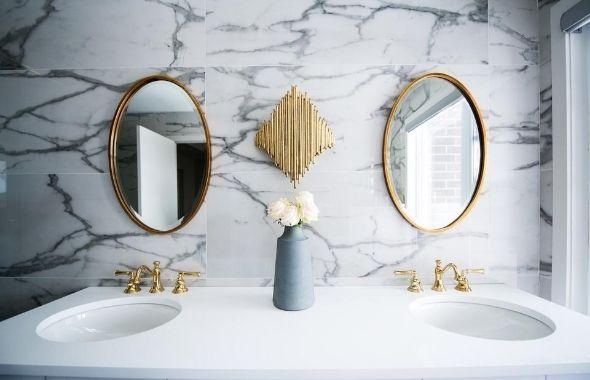 35 Small Bathroom Decor Ideas That Will Inspire In 5 Design Styles