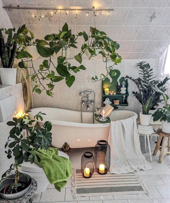 beautifule white bathroom with of plants