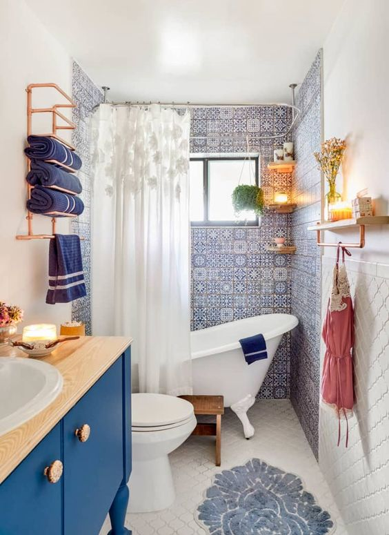 blue and white small bathroom decor