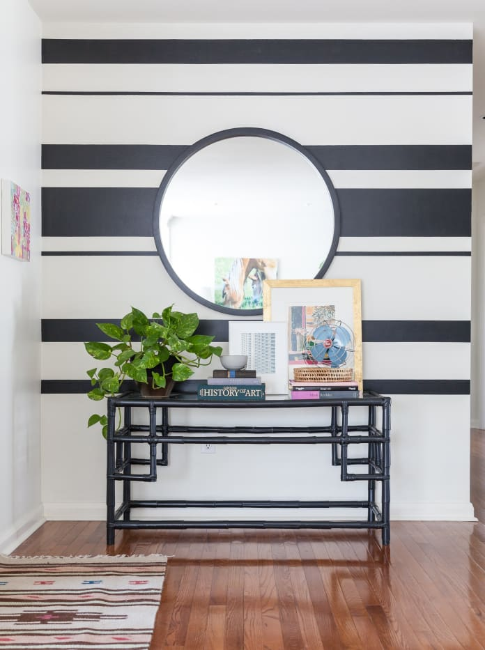 black and white small entryway decor