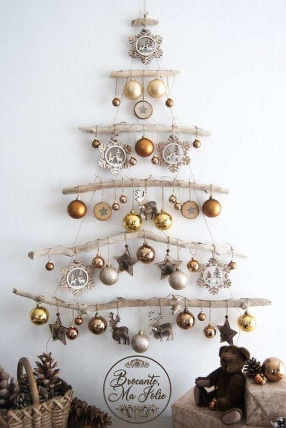 driftwood wall christmas tree
