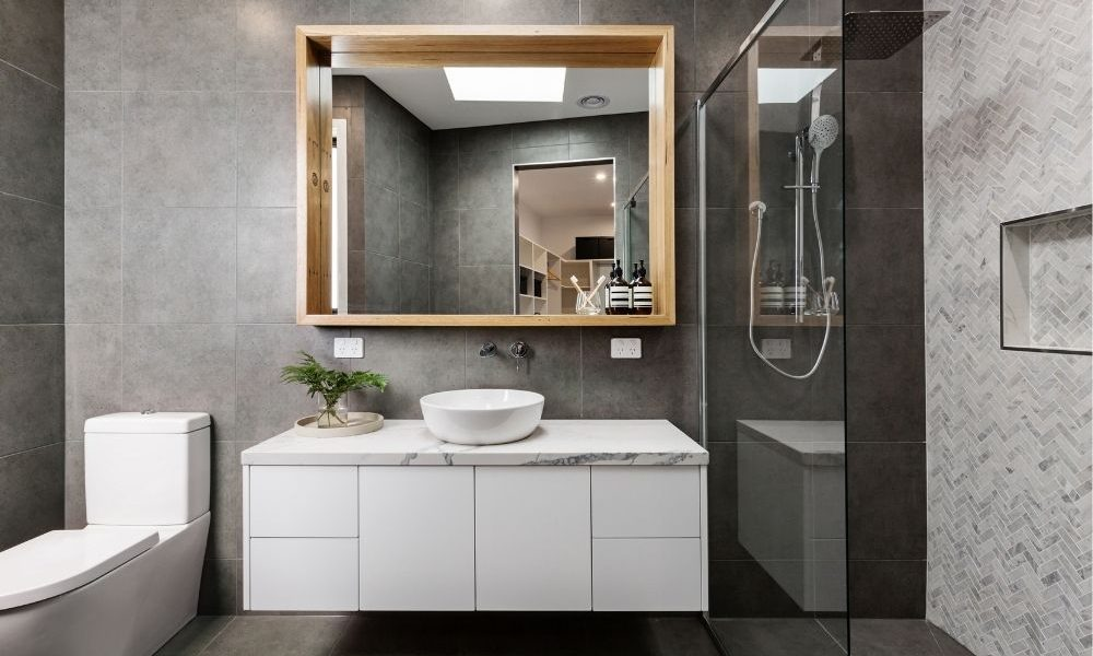 using dark paint in a small bathroom