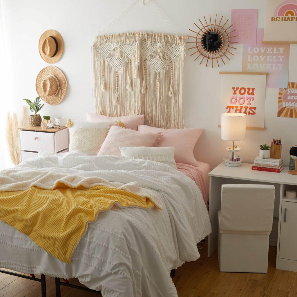 pink neutral boho dorm room